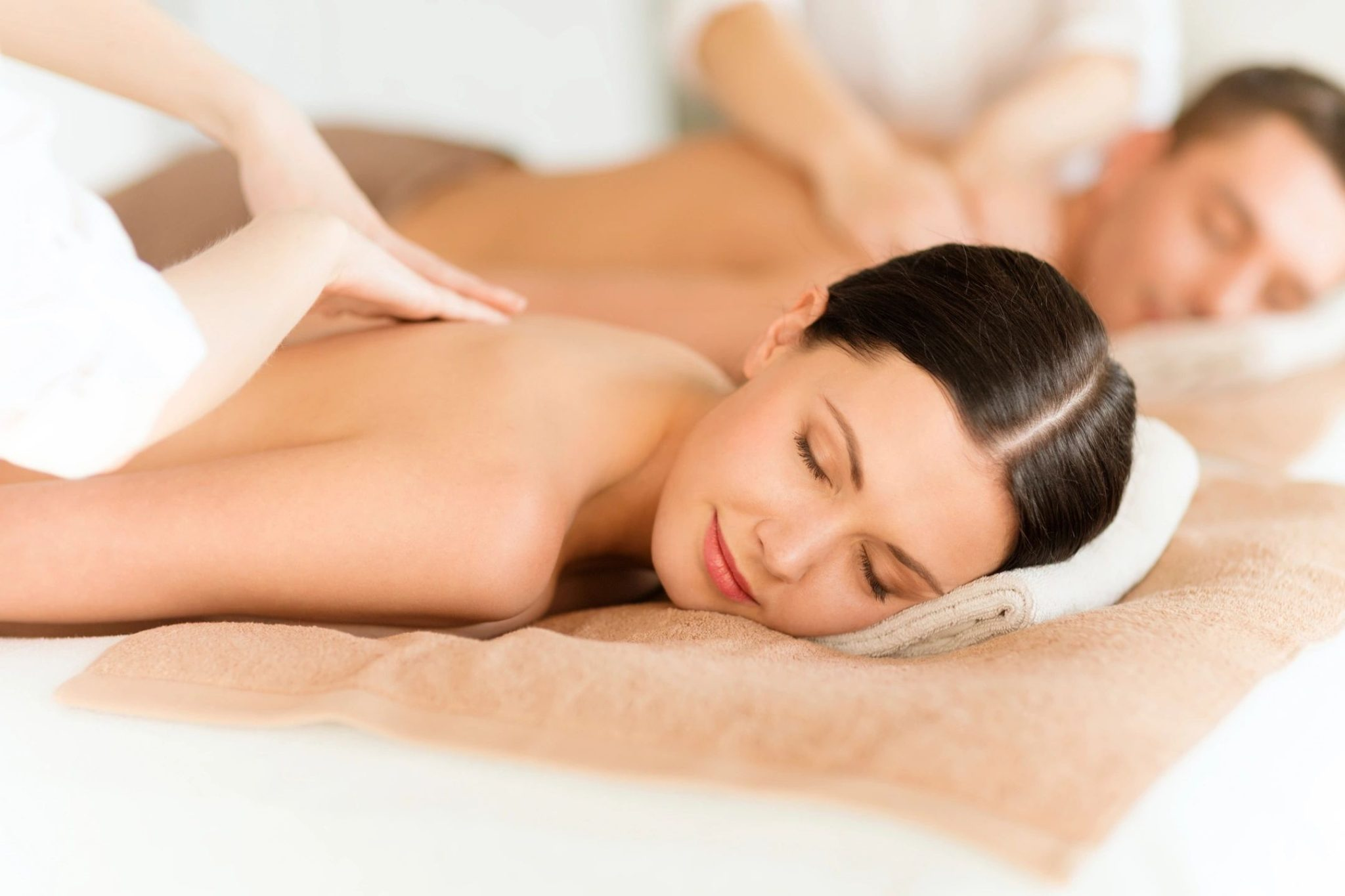 couples relax with a massage