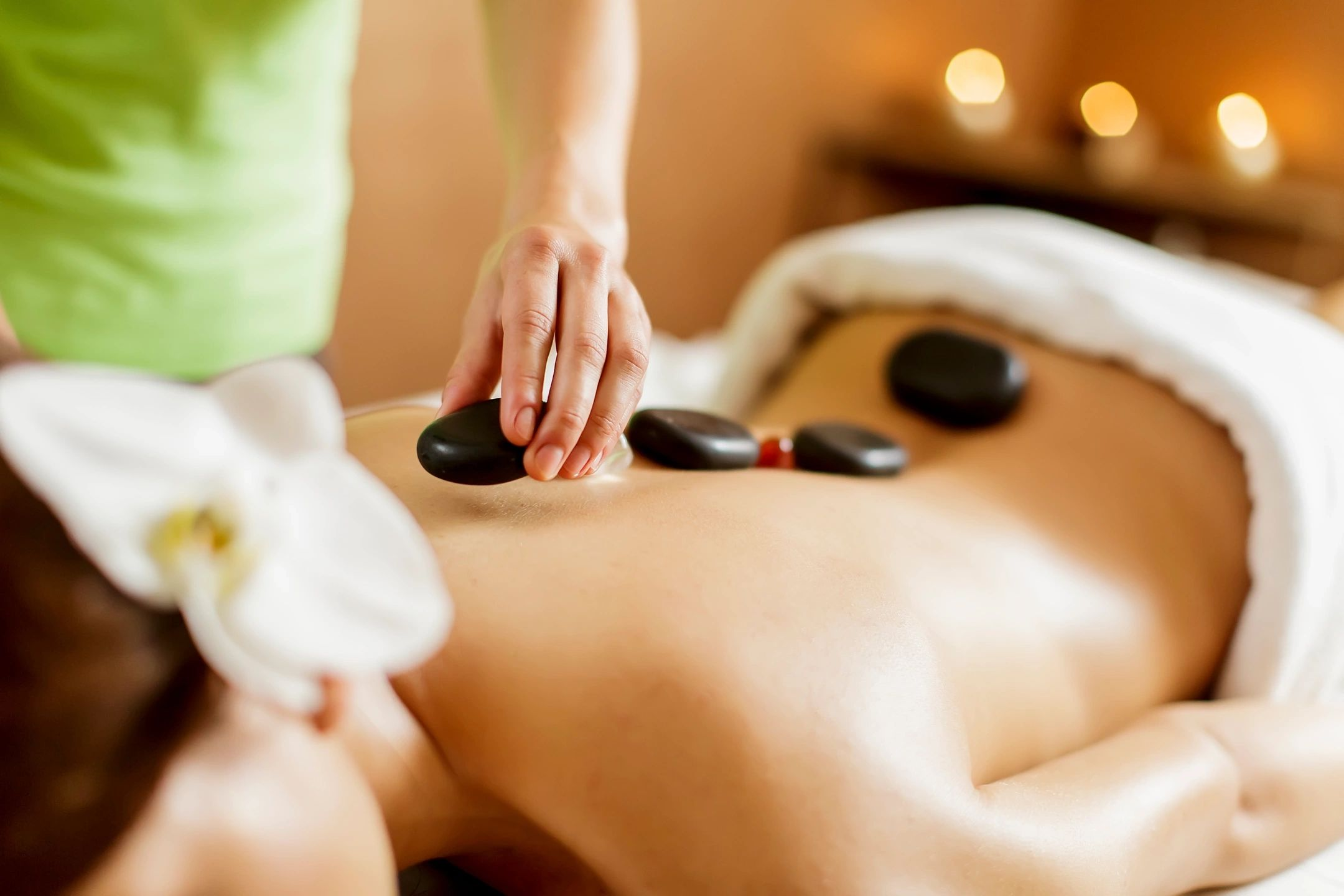 hot stone therapy is a way of relaxation